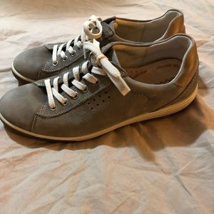 ecco sneakers size 40